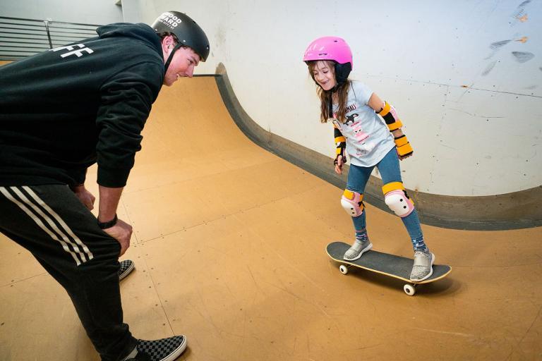 girl-skateboard